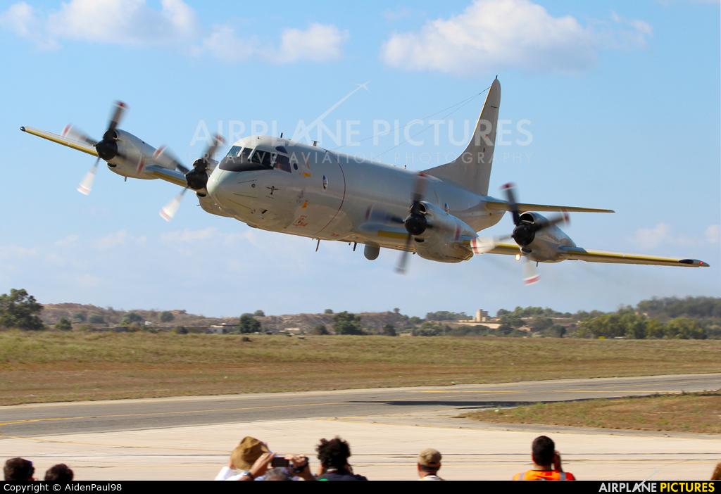 60 06 germany navy lockheed p 3c orion at malta intl photo id