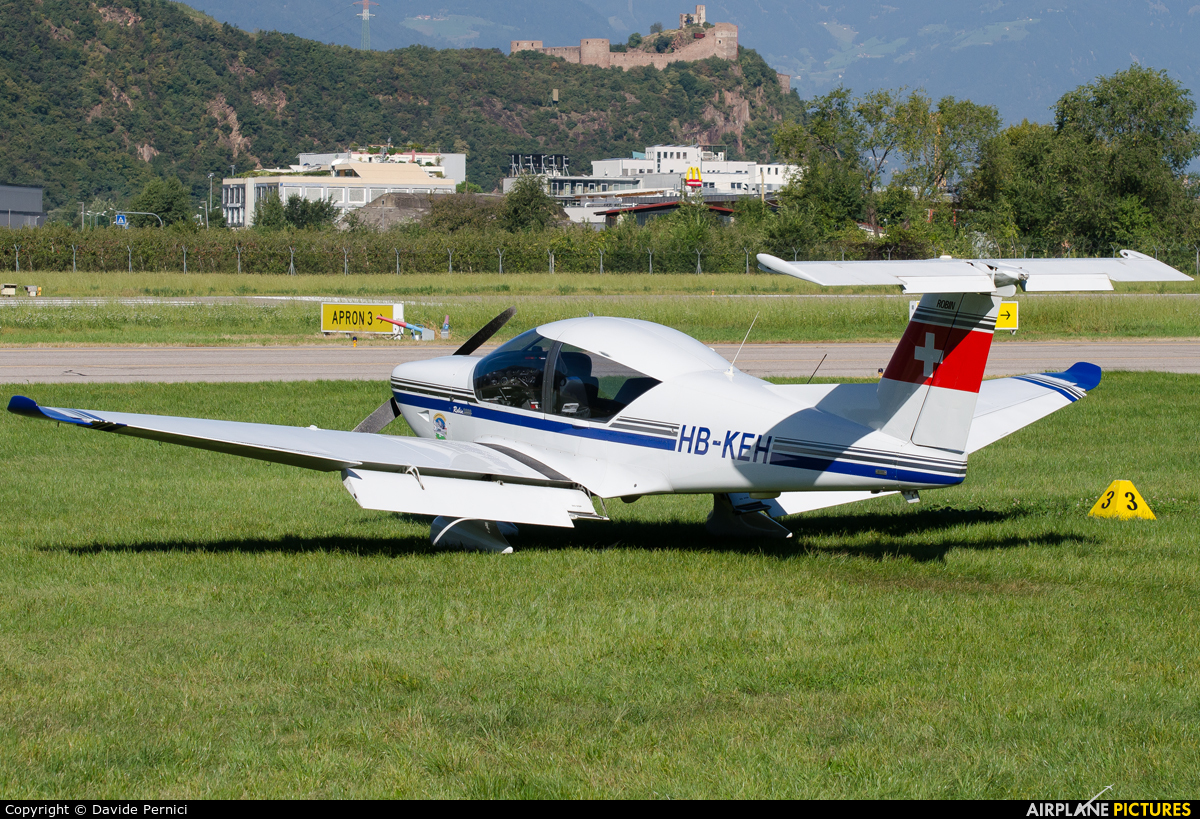 Private HB-KEH aircraft at Bolzano