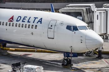 N3761R - Delta Air Lines Boeing 737-800