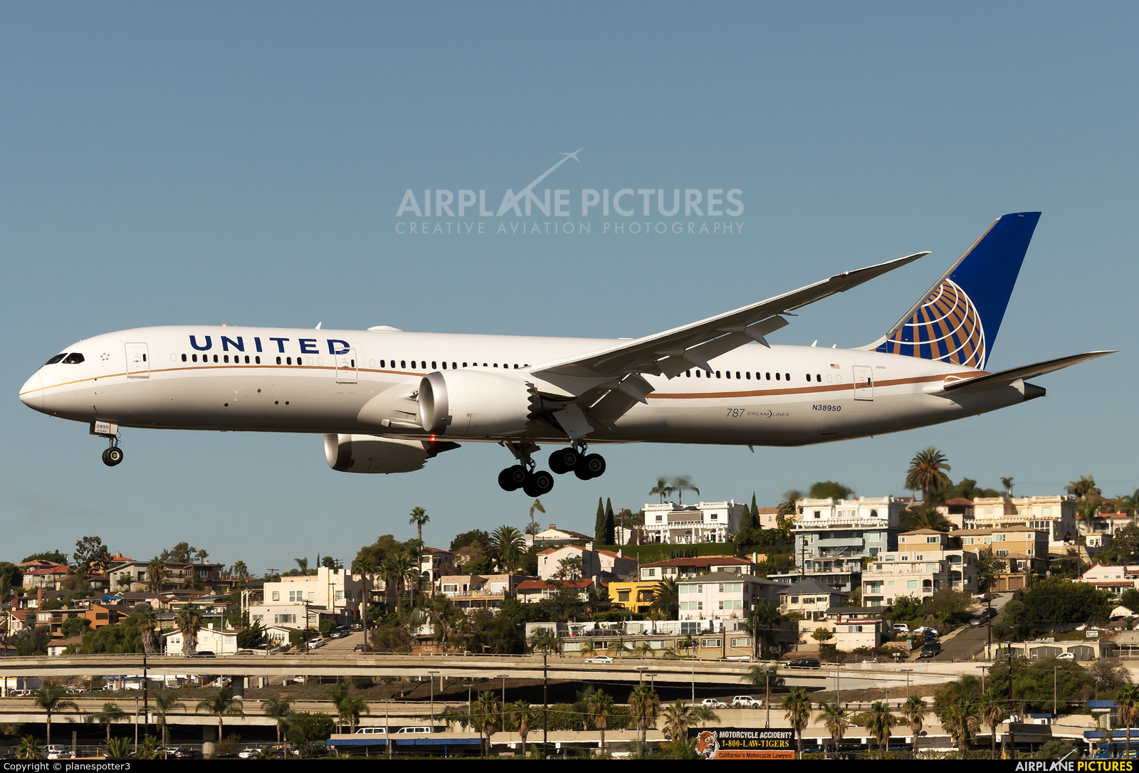 N38950 United Airlines Boeing 787 9 Dreamliner At San