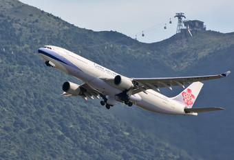 B-18305 - China Airlines Airbus A330-300