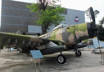 139674 - USA - Air Force Douglas A-1 Skyraider