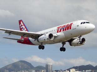 PR-MAO - TAM Airbus A319