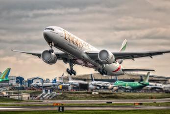 A6-ENV - Emirates Airlines Boeing 777-300ER