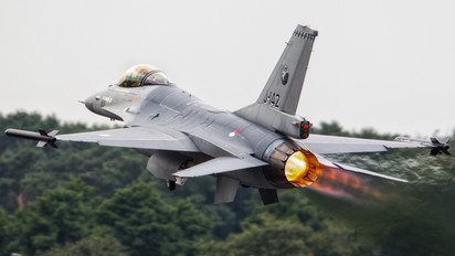 J-142 - Netherlands - Air Force General Dynamics F-16AM Fighting Falcon