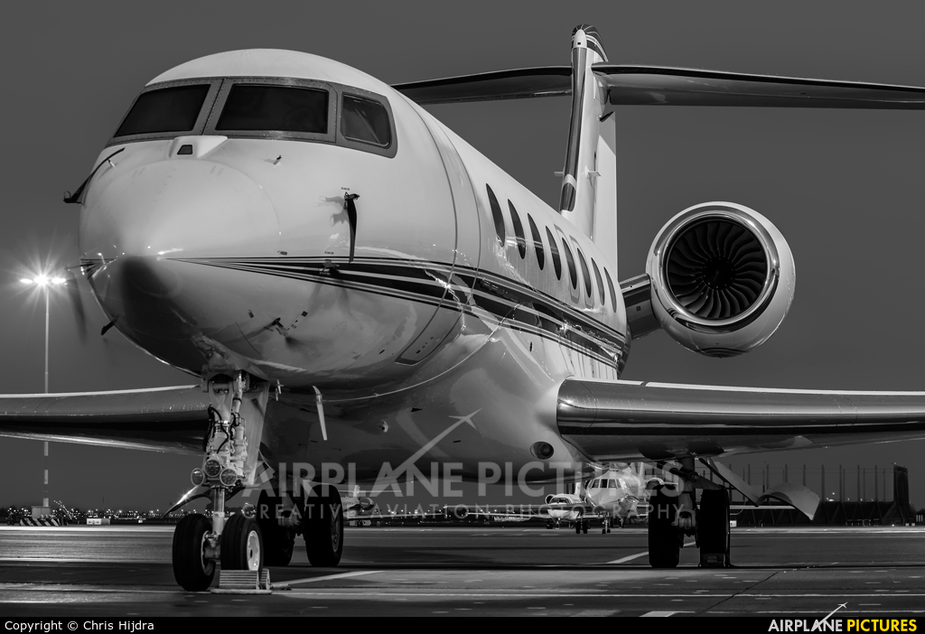 Private N22T aircraft at Amsterdam - Schiphol