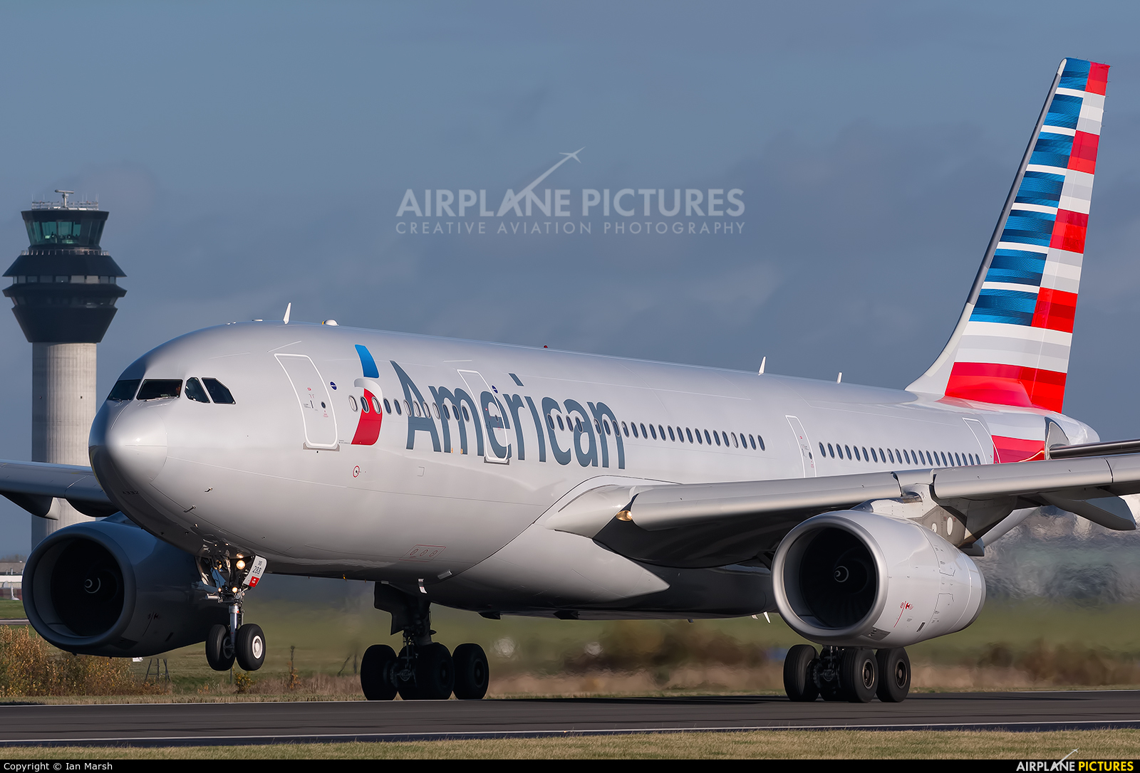 N288ay American Airlines Airbus A330 200 At Manchester
