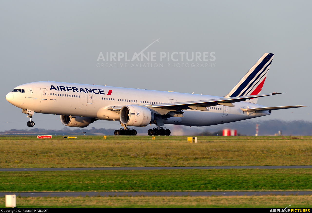 Air France F-GSPV aircraft at Paris - Charles de Gaulle