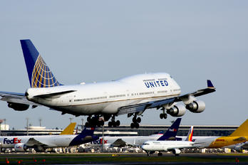 N118UA - United Airlines Boeing 747-400