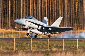 HN-461 - Finland - Air Force McDonnell Douglas F-18D Hornet