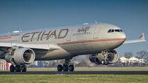 A6-EYS - Etihad Airways Airbus A330-200 aircraft