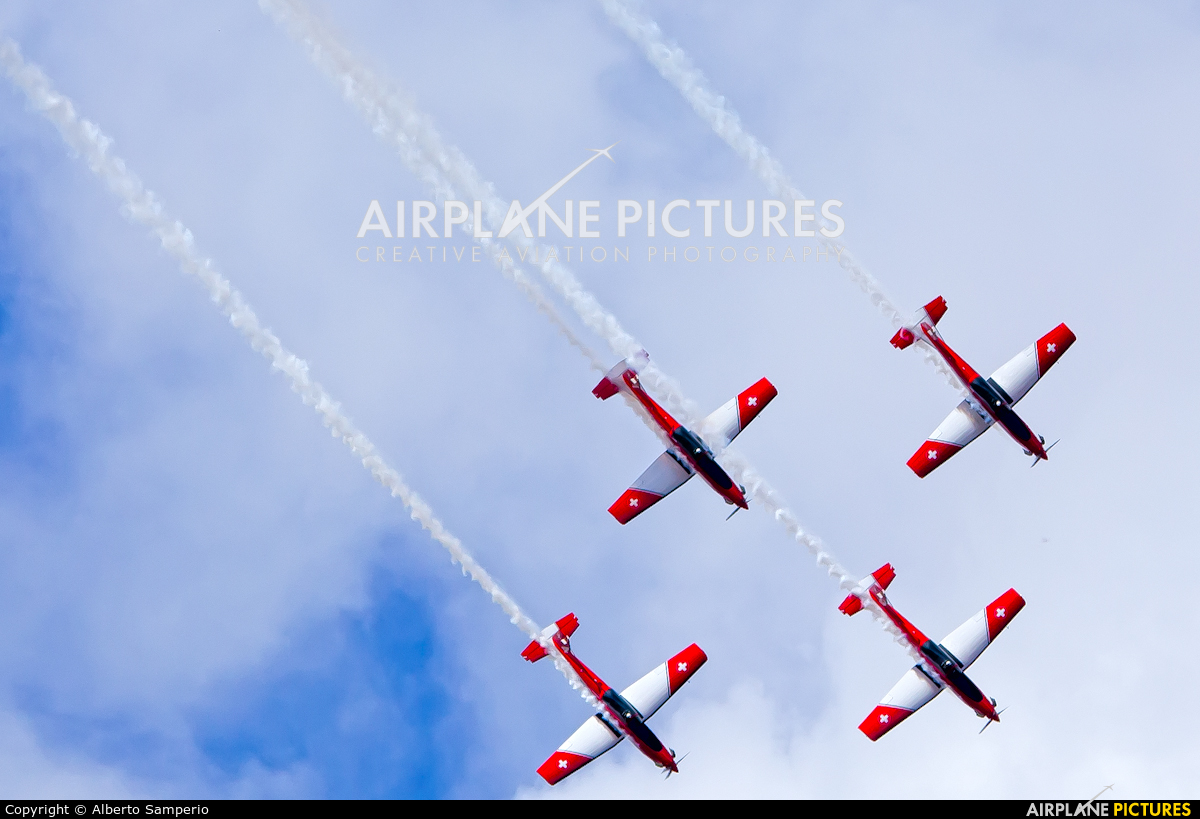Switzerland - Air Force: PC-7 Team - aircraft at Madrid - Torrejon