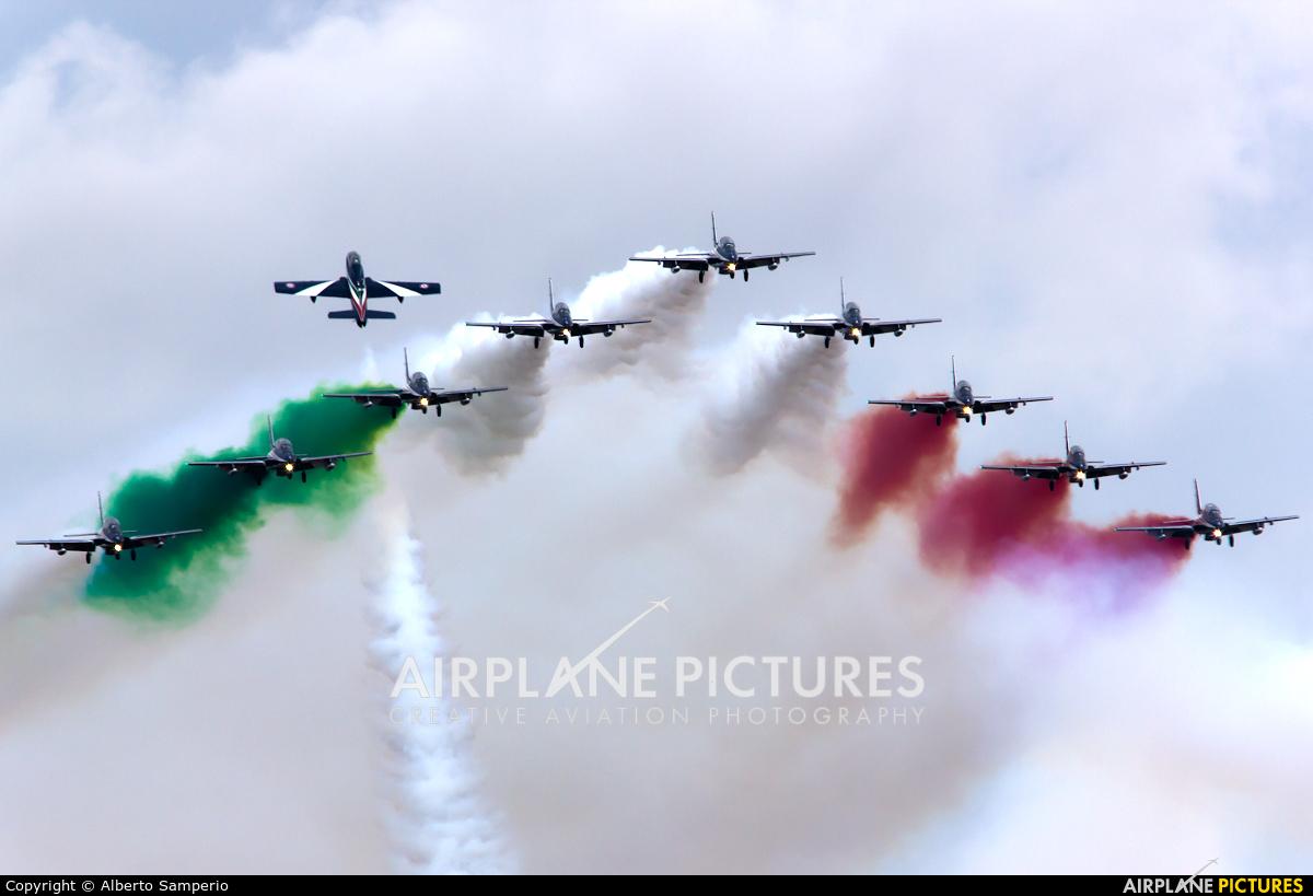 "Italy - Air Force ""Frecce Tricolori"" - aircraft at Madrid - Torrejon"