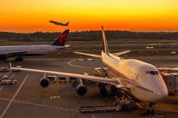 N674US - Delta Air Lines Boeing 747-400