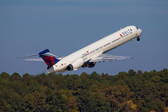 N915DN - Delta Air Lines McDonnell Douglas MD-90