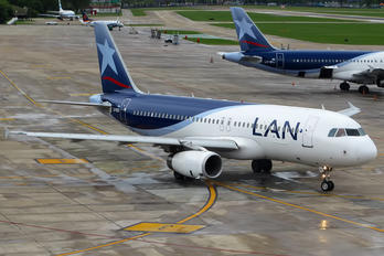 LV-BOI - LAN Argentina Airbus A320