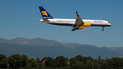 TF-ISF - Icelandair Boeing 757-200WL