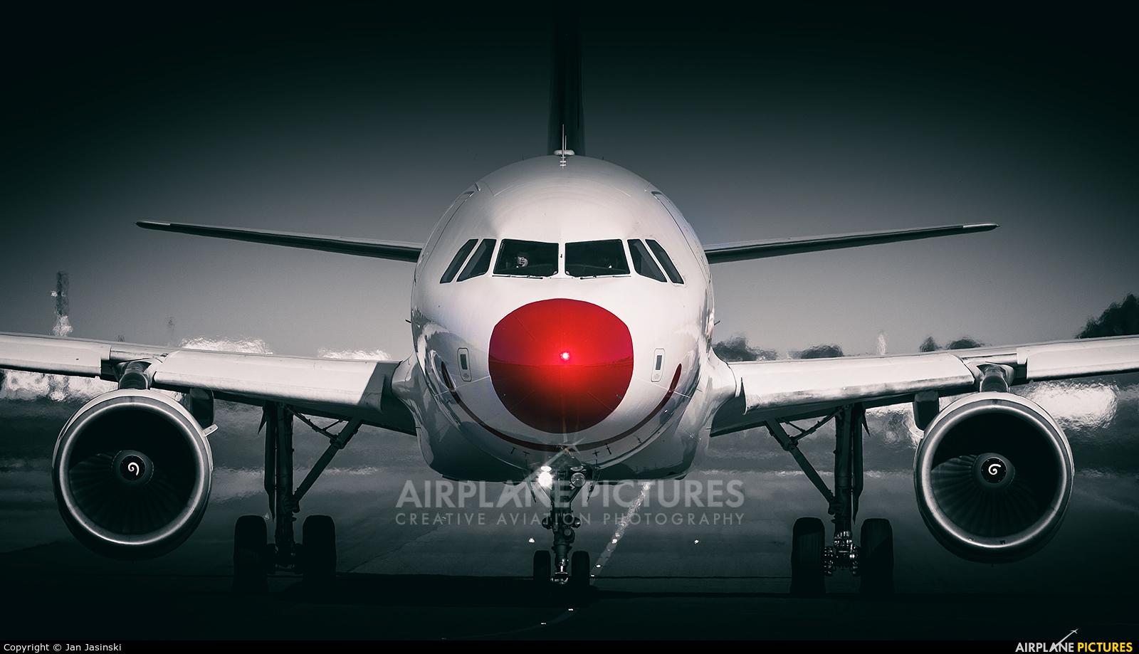 Bingo Airways - aircraft at Warsaw - Frederic Chopin