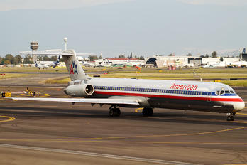 N557AN - American Airlines McDonnell Douglas MD-82