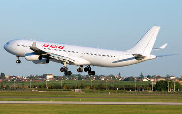 CS-TQM - Air Algerie (Hi Fly) Airbus A340-300