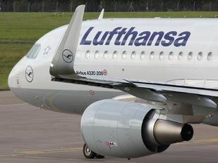 D-AIUD - Lufthansa Airbus A320