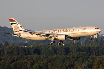 A6-AGB - Etihad Airways Airbus A330-200