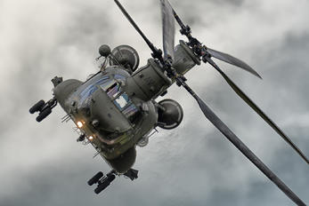 - - Royal Air Force Boeing Chinook HC.2