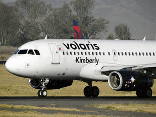 XA-VOB - Volaris Airbus A319