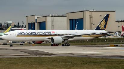 9V-SWY - Singapore Airlines Boeing 777-300ER