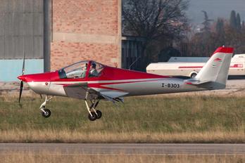 I-B303 - Private Skyleader Skyleader 200