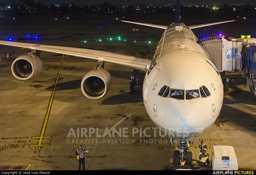 Lufthansa D-AIHC aircraft at Bogotá - Eldorado Intl