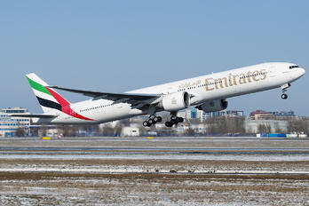 A6-EBG - Emirates Airlines Boeing 777-300ER