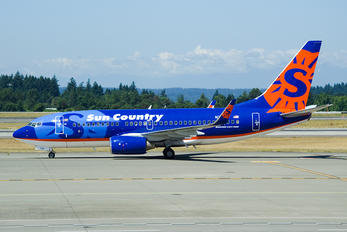 N715SY - Sun Country Airlines Boeing 737-700