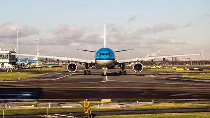 - - KLM Airbus A330-300