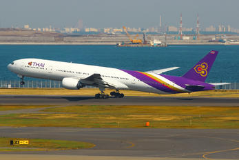 HS-TKE - Thai Airways Boeing 777-300