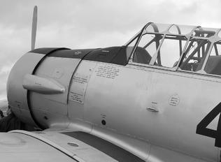 C.6-124 - Spain - Air Force North American T-6G Texan