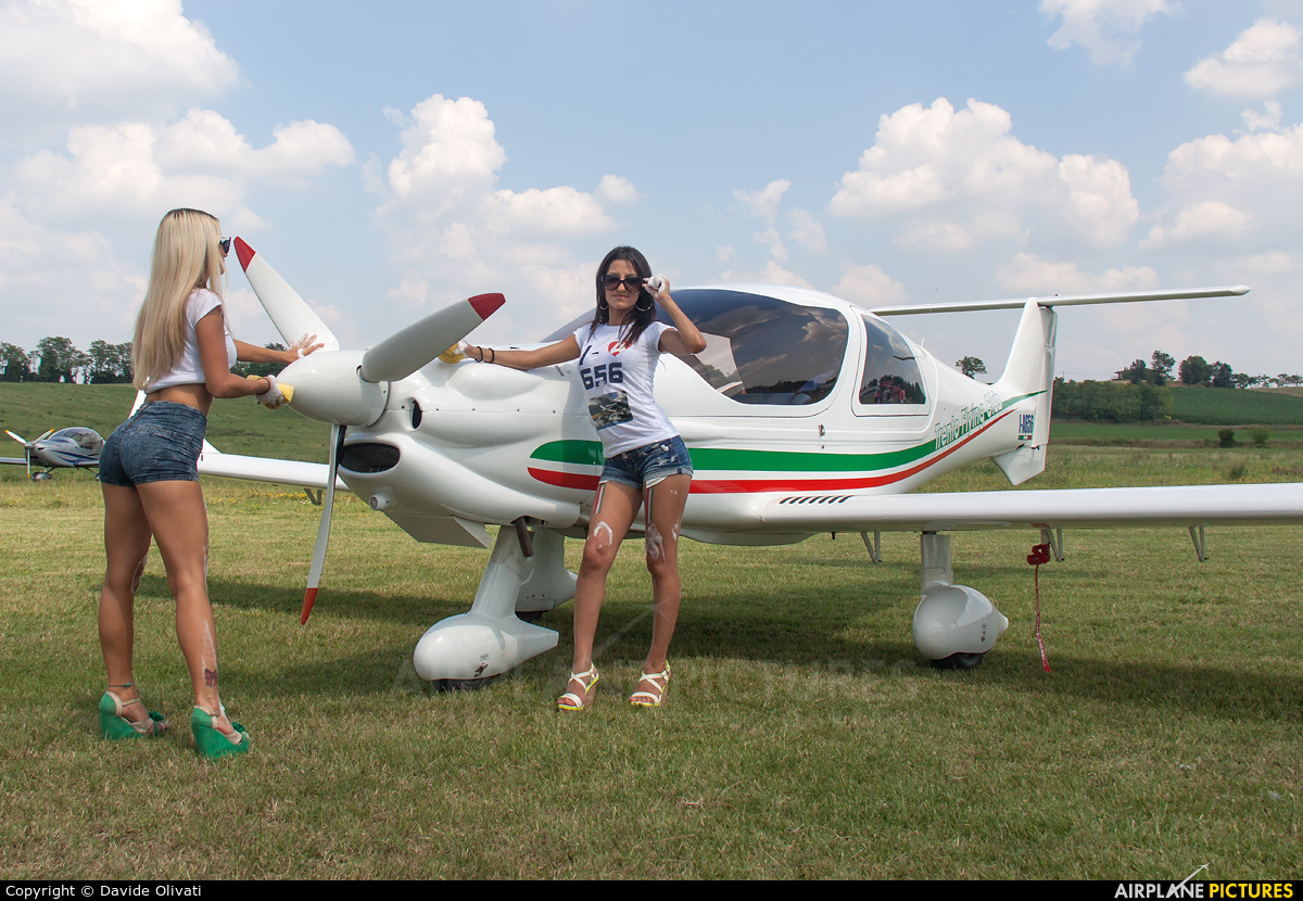 - Aviation Glamour - aircraft at Off Airport - Italy