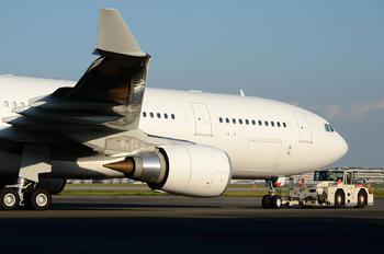 VP-CBE - Hong Kong Jet Airbus A330-200