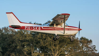 PH-SKB - Private Cessna 172 Skyhawk (all models except RG)