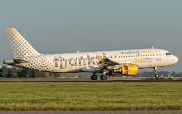 EC-JZQ - Vueling Airlines Airbus A320