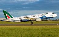 EI-DSM - Alitalia Airbus A320 aircraft