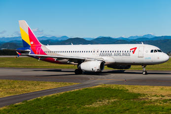 HL7772 - Asiana Airlines Airbus A320