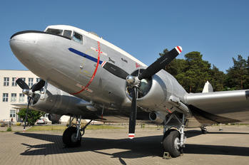 A65-69 - Australia - Air Force Douglas C-47B Skytrain