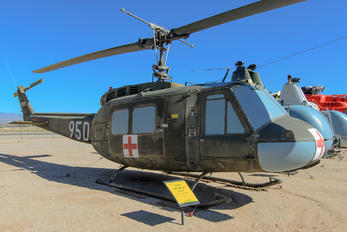 64-13895 - USA - Army Bell UH-1H Iroquois