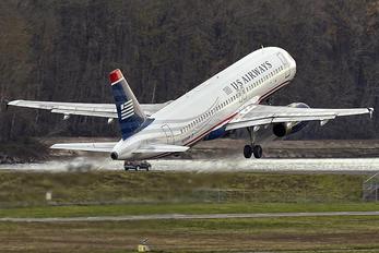 N658AW - US Airways Airbus A320