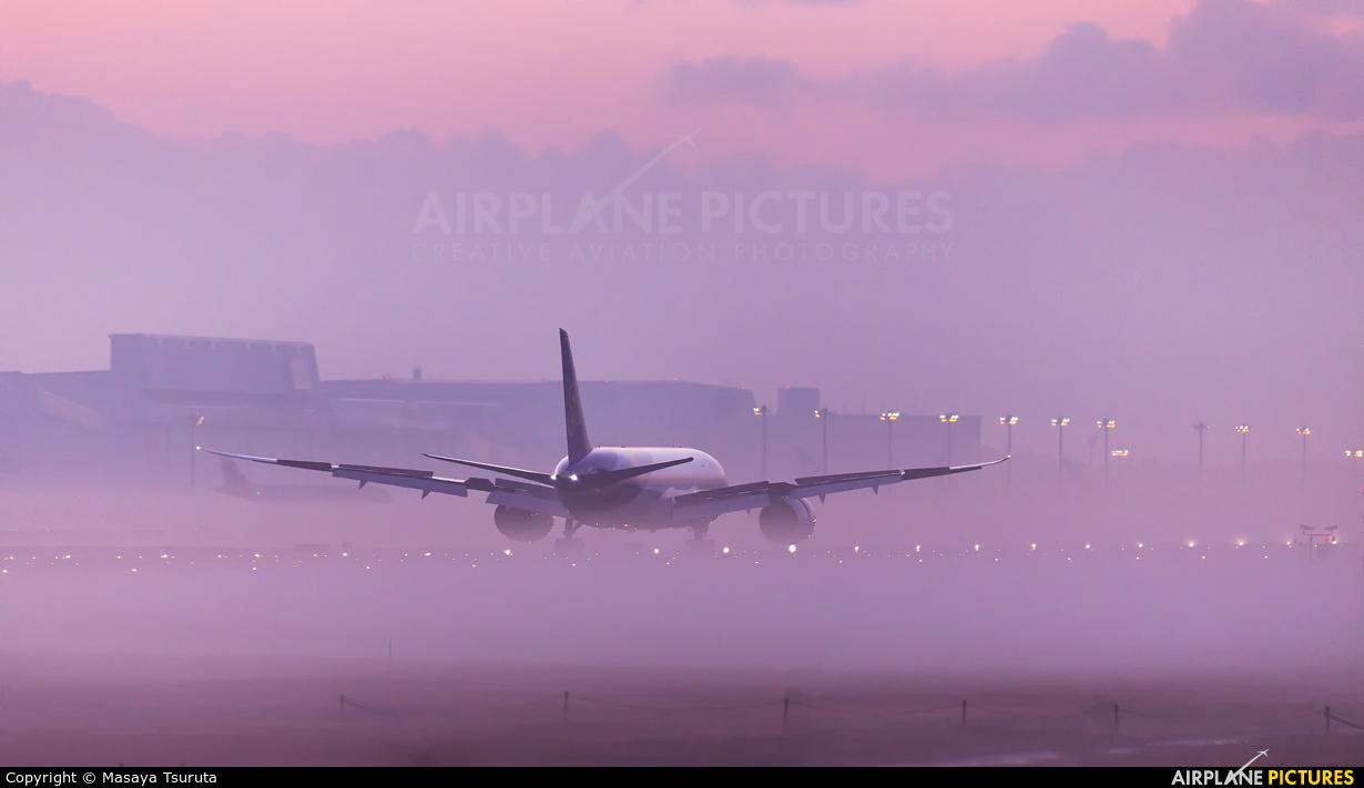 Thai Airways - aircraft at Tokyo - Narita Intl