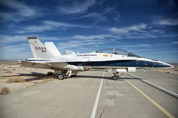 N845NA - NASA McDonnell Douglas F/A-18B Hornet