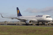D-AIZU - Lufthansa Airbus A320 aircraft