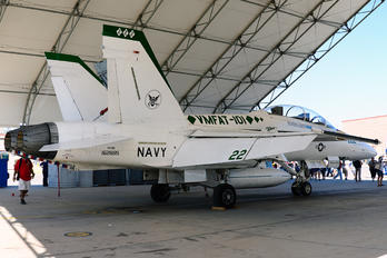 162885 - USA - Marine Corps McDonnell Douglas F/A-18B Hornet
