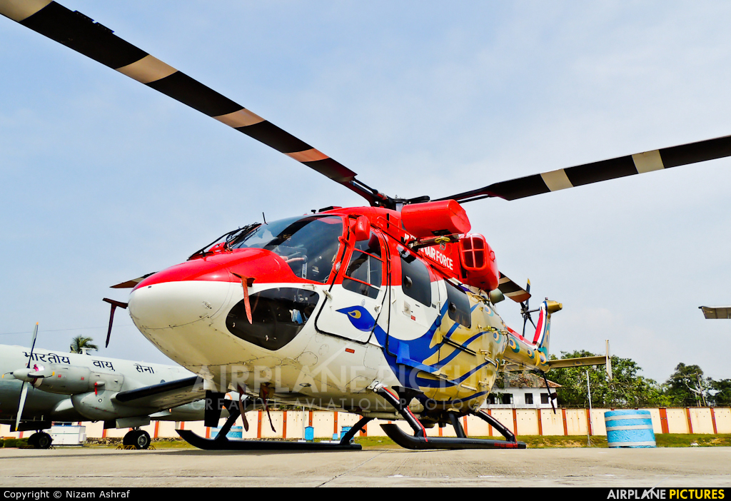 India - Air Force: Sarang Display Team J4049 aircraft at Trivandrum Intl
